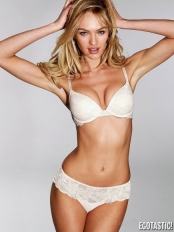 candice-swanepoel-june-VS-lingerie-06-435x580