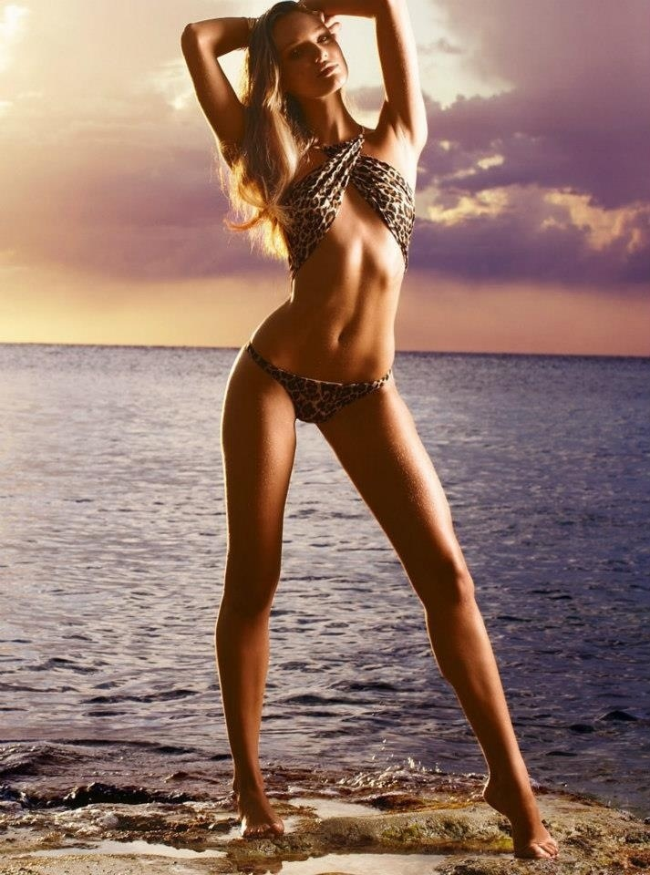 Красивая голая фигура девушки фото