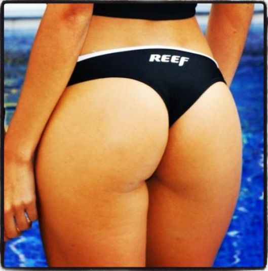 reef_girls_put_their_butts_on_display_on_instagram_640_55