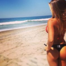 reef_girls_put_their_butts_on_display_on_instagram_640_58