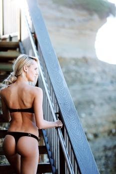 bikini-sunday-017-02082014