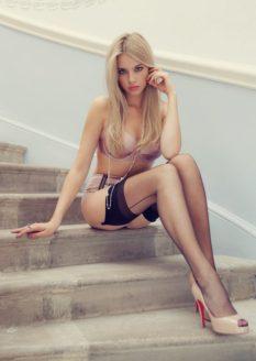 girls-wearing-lingerie-35