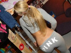 Hot-Girls-in-Tight-Pants-10
