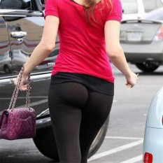 Hot-Girls-in-Tight-Pants-12