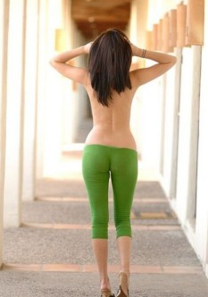 Hot-Girls-in-Tight-Pants-17